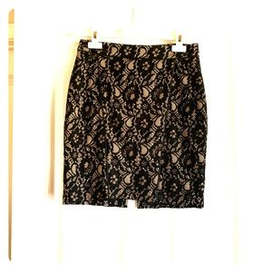 Express High Waisted MidThigh Blk &Nude Lace Skirt